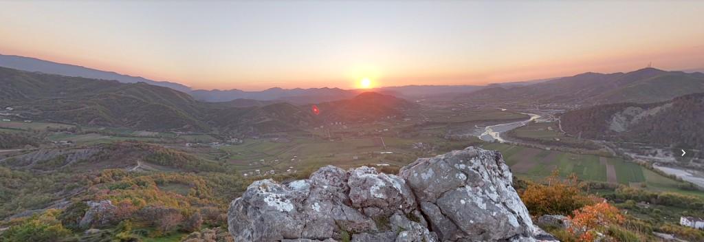 photospherepreview-petrela-rocks